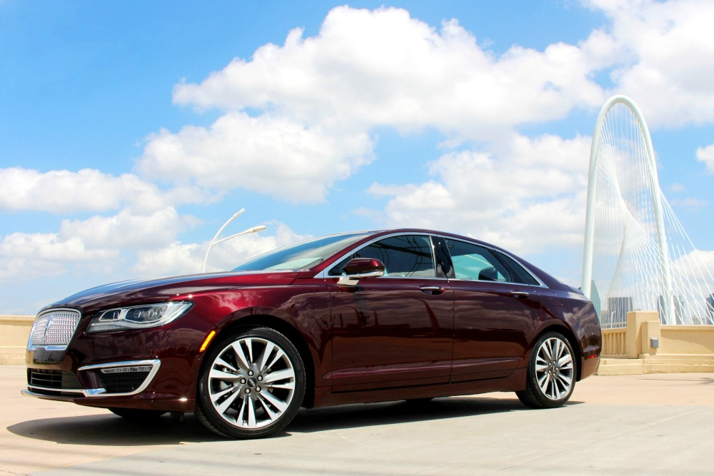 Midnight | The Official 2017 Lincoln MKZ :30 Commercial